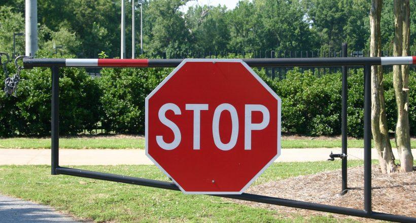 útlezárás, forgalomkorlátozás, stop