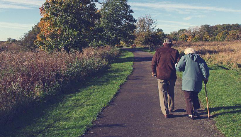 idősek, nyugdíjasok