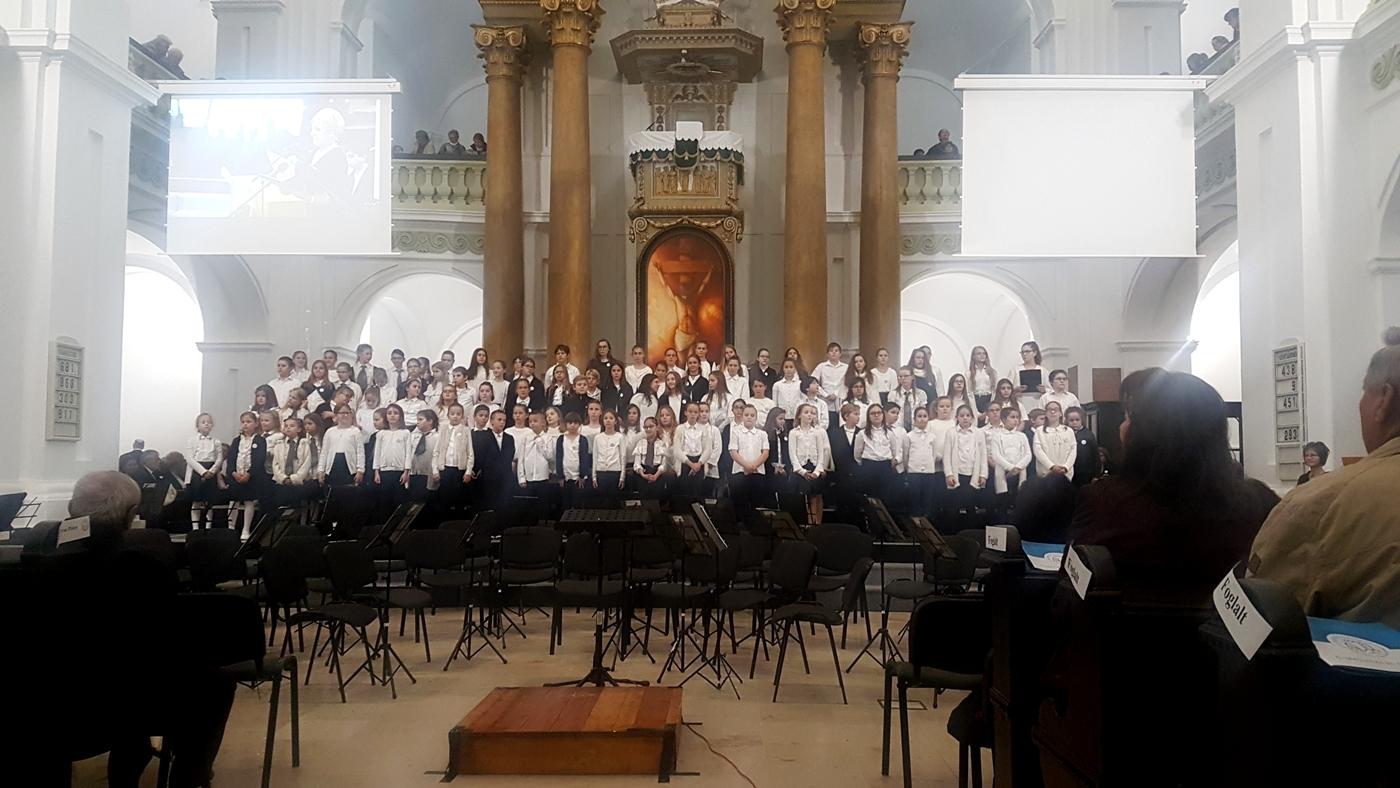 300 hang zárta a tricentenáriumi emlékévet