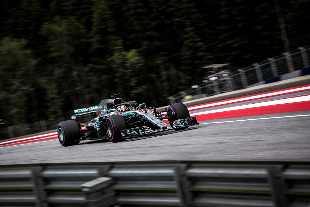 Brazil Nagydíj – Hamilton a pole pozícióban