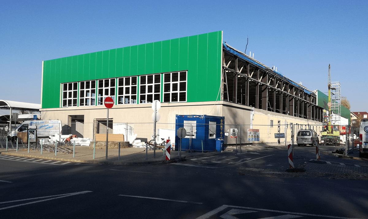 Vásárcsarnok felújítás: látványos az előrehaladás