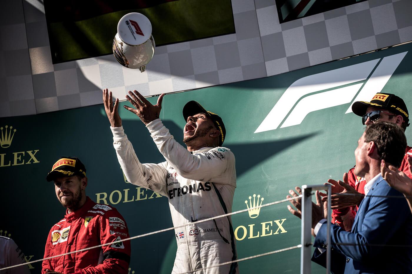 Hamilton győzött, világbajnok a Mercedes