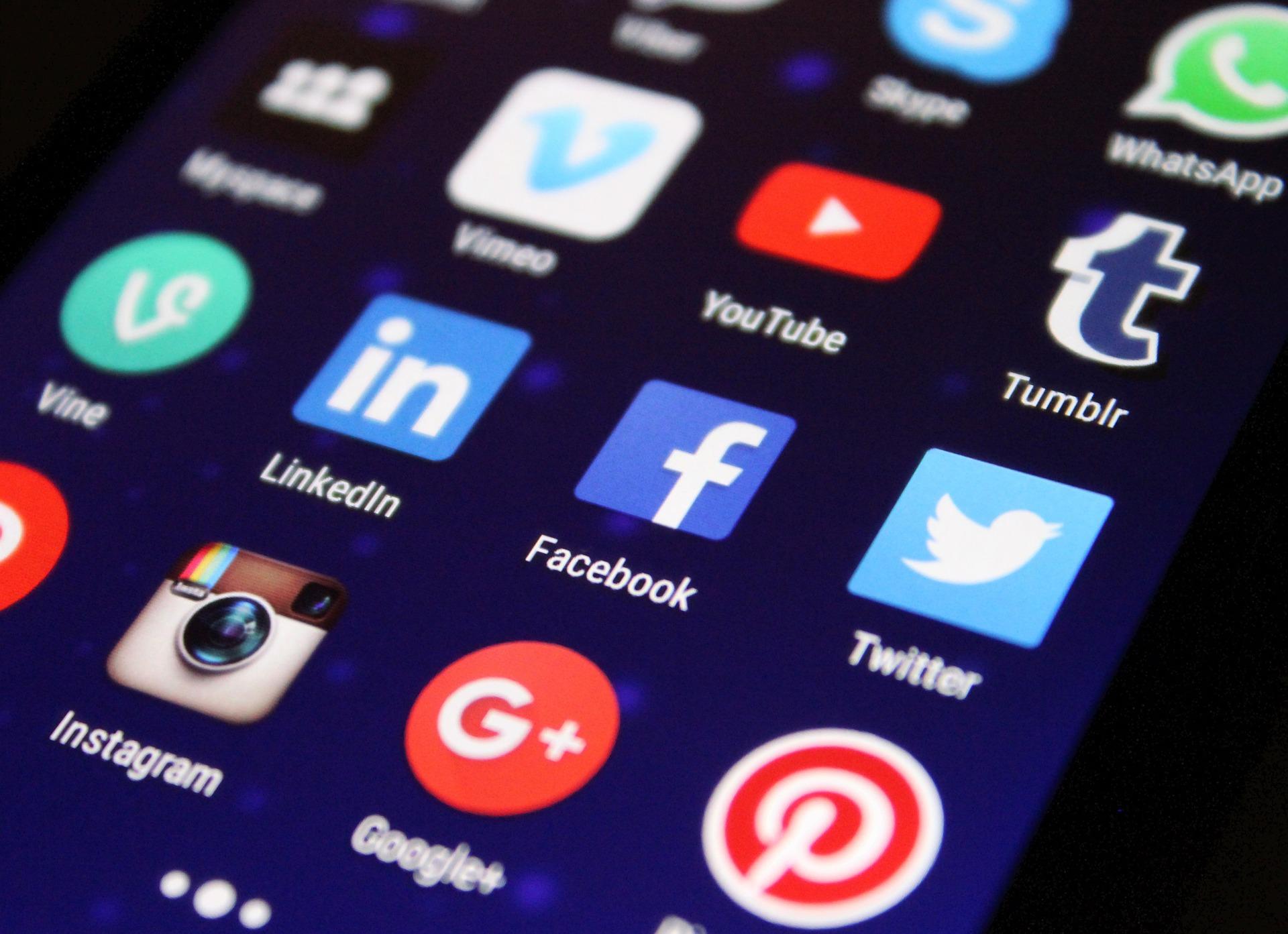 A közösségi média elősegítheti a depresszió kialakulását
