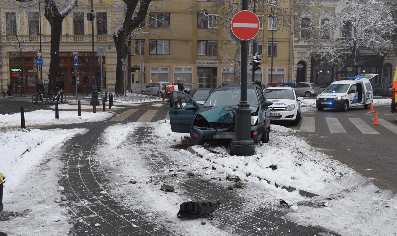 Két baleset, öt sérült