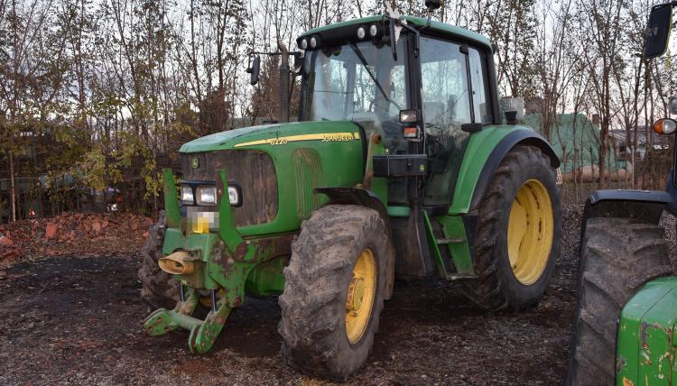 Olasz hatóság által körözött mezőgazdasági gépeket találtak Kétsopronyban