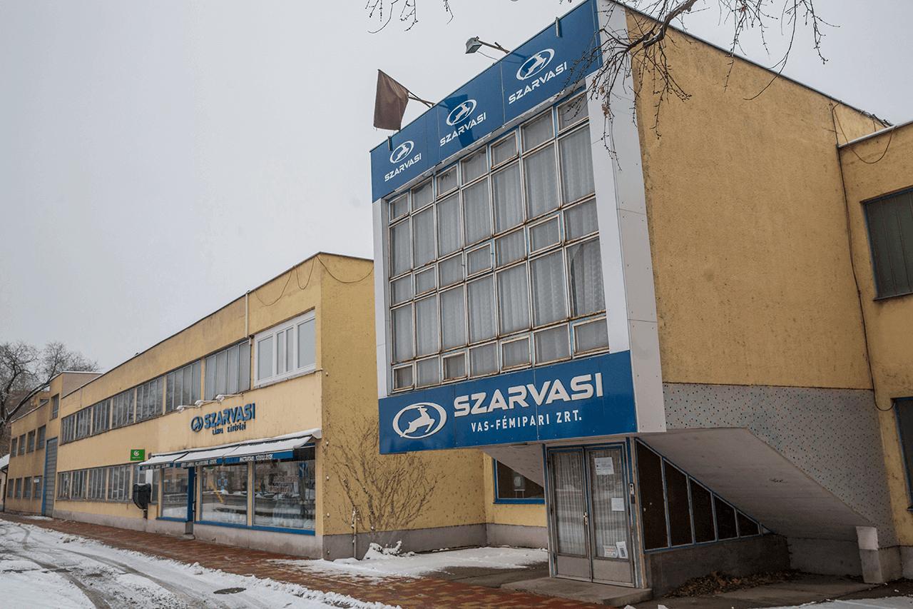 Elhelyezkedési segítséget kapnak a Szarvasi Vas-Fémipari Zrt. dolgozói