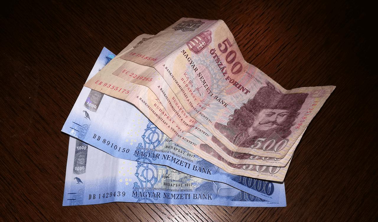 Átlagosan havi 3500 forinttal emelkednek a nyugdíjak
