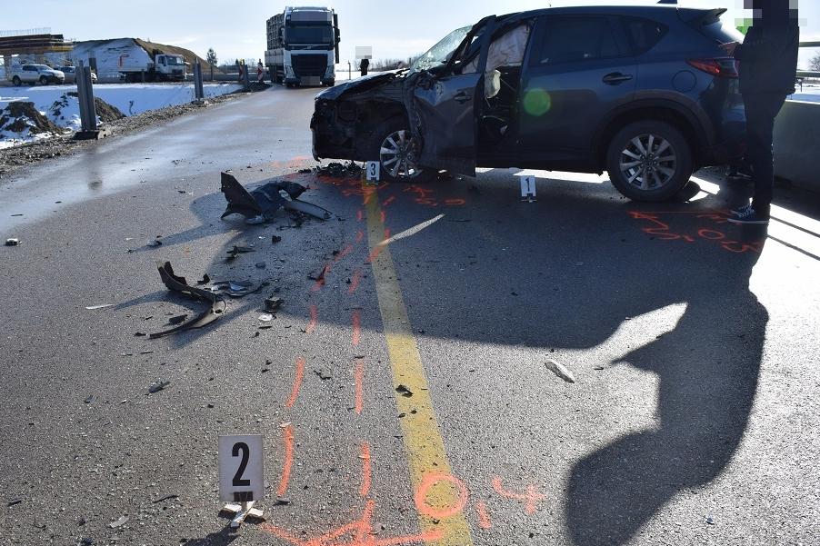 balesetben