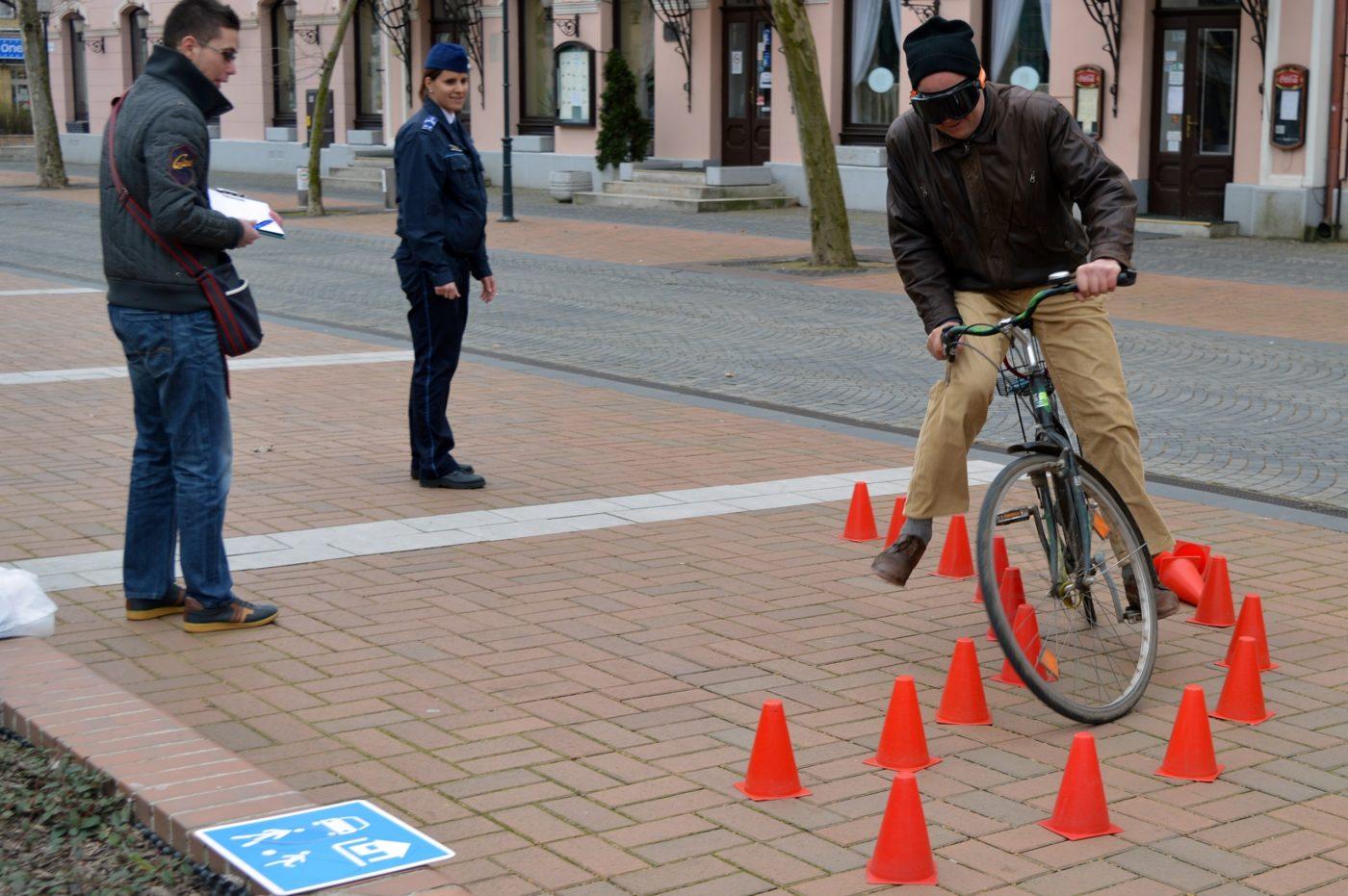 Ittasan kerékpározott, elesett és megsérült