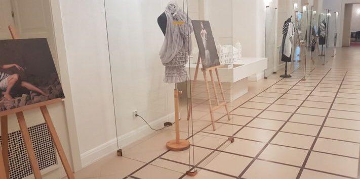 Szlovákiában mutatkoztak be a csabai öltözéktervező iparművészek