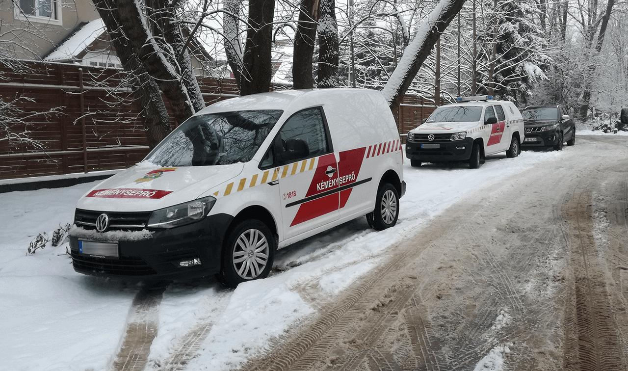 Szén-monoxid-mérgezés gyanújával szállítottak kórházba három embert Békéscsabán