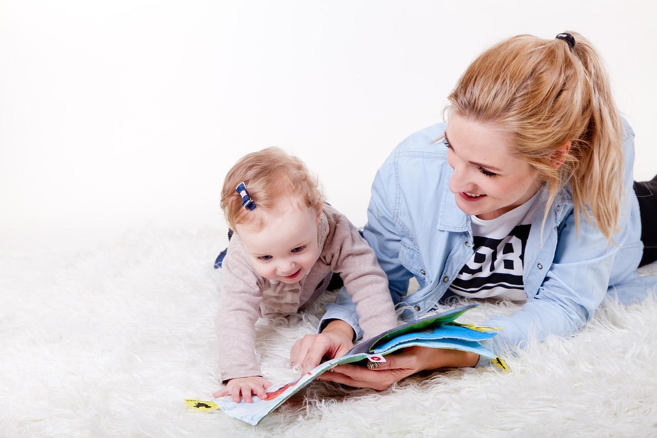Már hathónapos kisbabáknál látszanak a kétnyelvű család előnyei