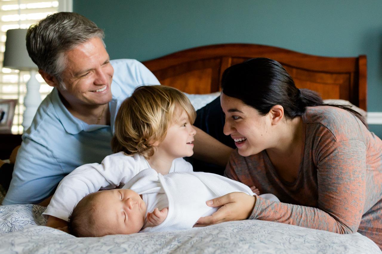 Júliustól vehető igénybe a gyermekvállalási támogatás és a kamattámogatott hitel