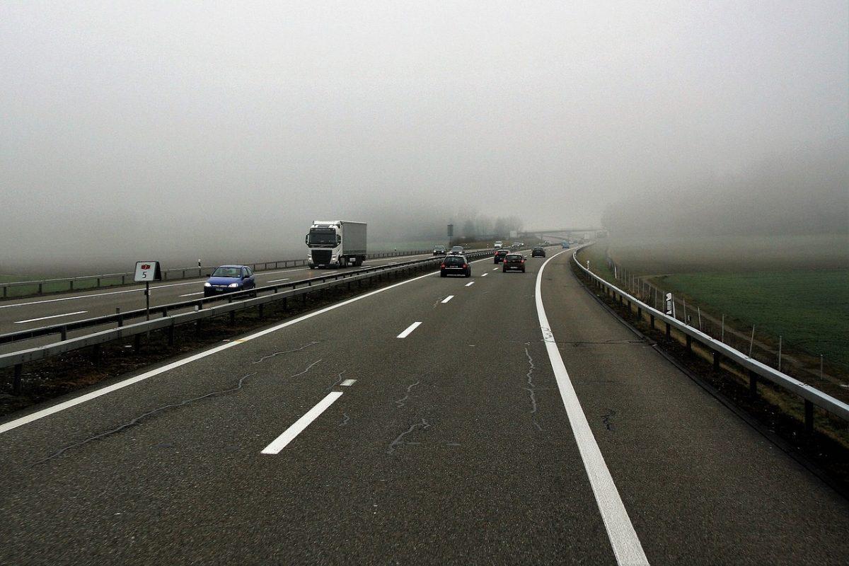 Közúti ellenőrzéssel segítik a téli közlekedésre való felkészülést