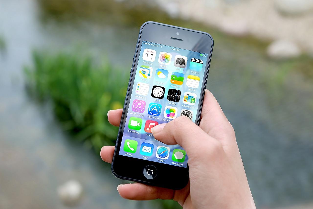 Jelentősen nőtt a mobilinternet használóinak száma Magyarországon
