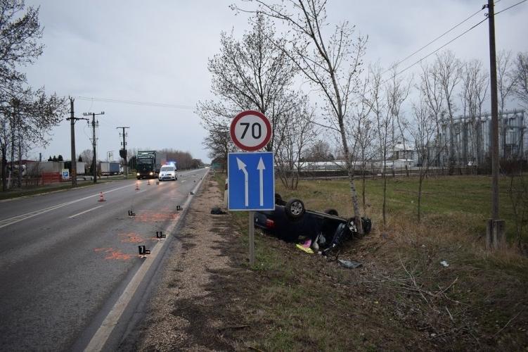 Súlyos baleset Szarvas külterületén, ittas járművezetés Békéscsabán