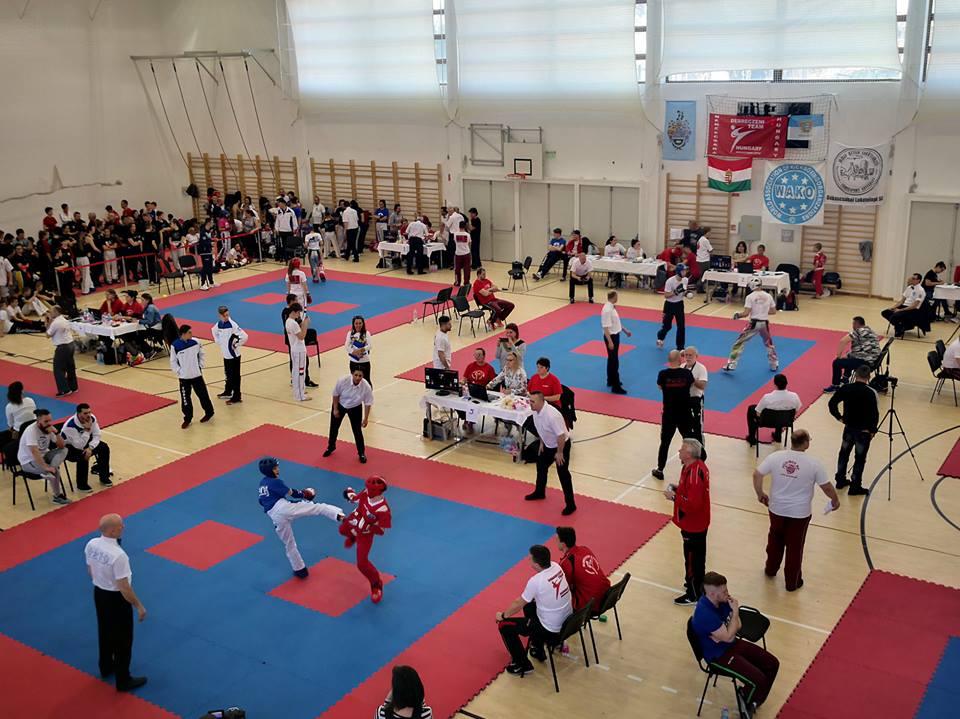 A Kick-box Diákbajnokság országos döntőjét szervezték Békéscsabán