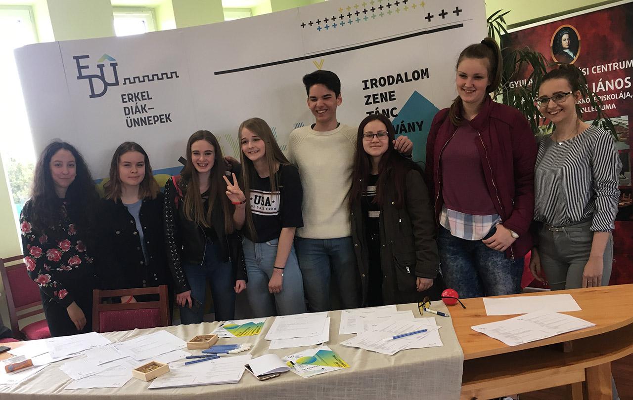 Ifjúsági konferenciát tartottak a Harruckernben