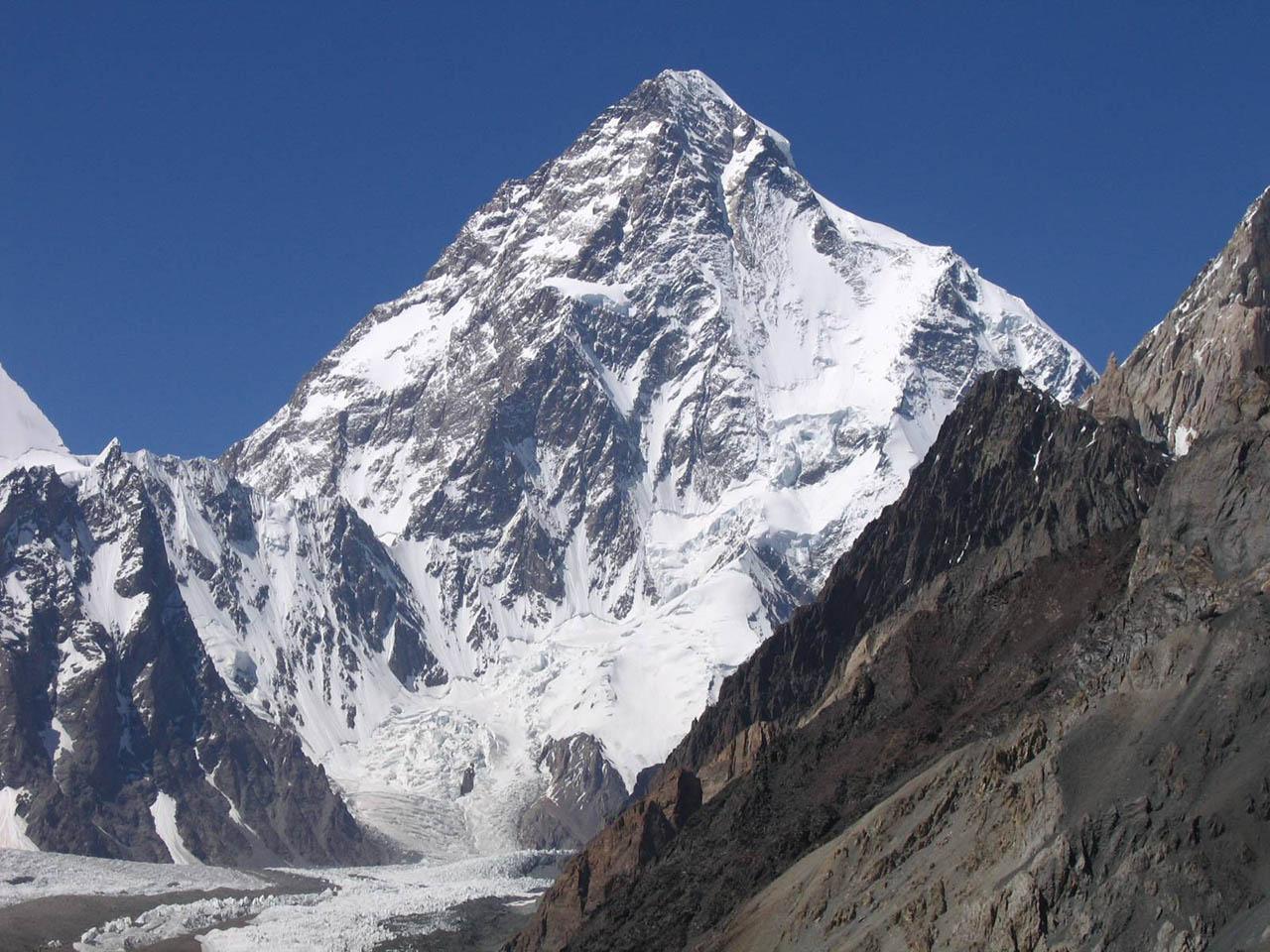 A K2 csúcsára indul Klein Dávid és Suhajda Szilárd