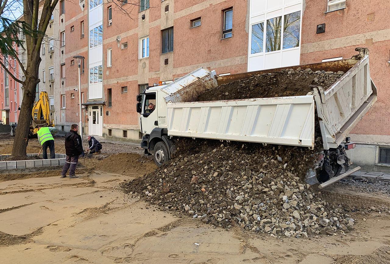 Újabb fázisához érkezett a parkoló építés Gyulán
