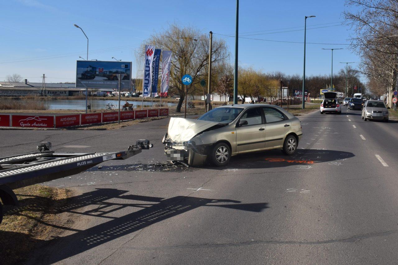 Négy közlekedési baleset, egy súlyos és tíz könnyű sérült