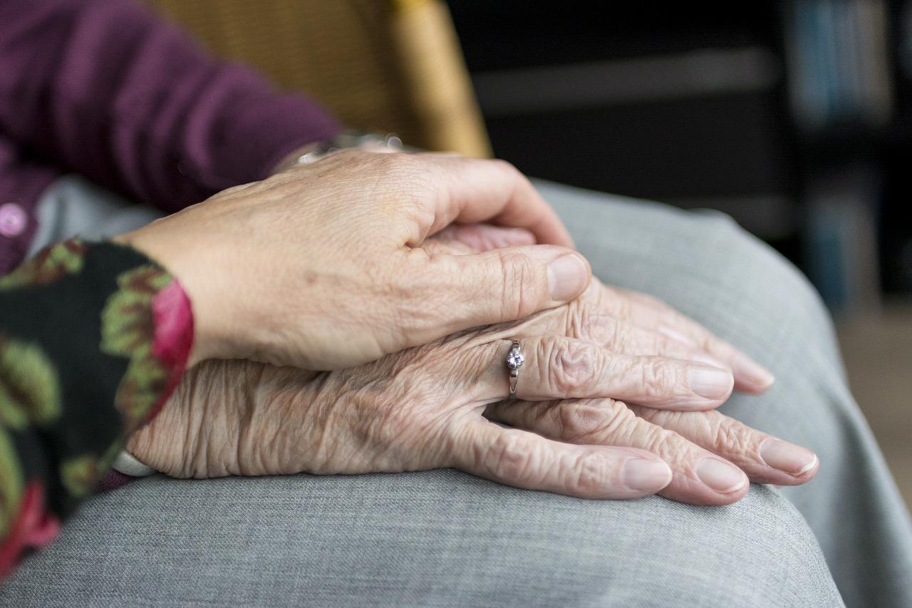 A demencia okozta problémákat valaki humorral igyekszik oldani