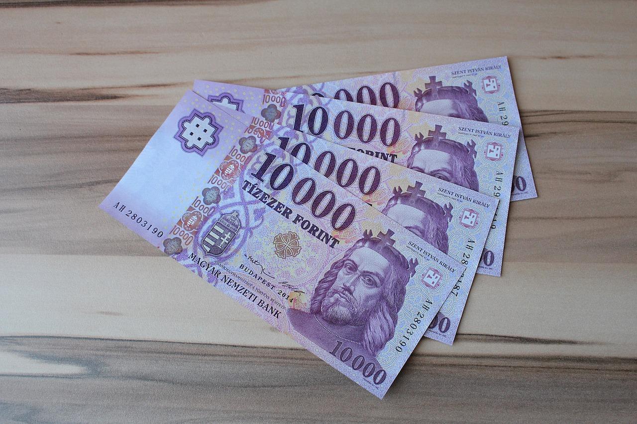 Magyarországon a férfiak és a nők keresete között átlagosan 50-60 000 forint a különbség egy felmérés szerint