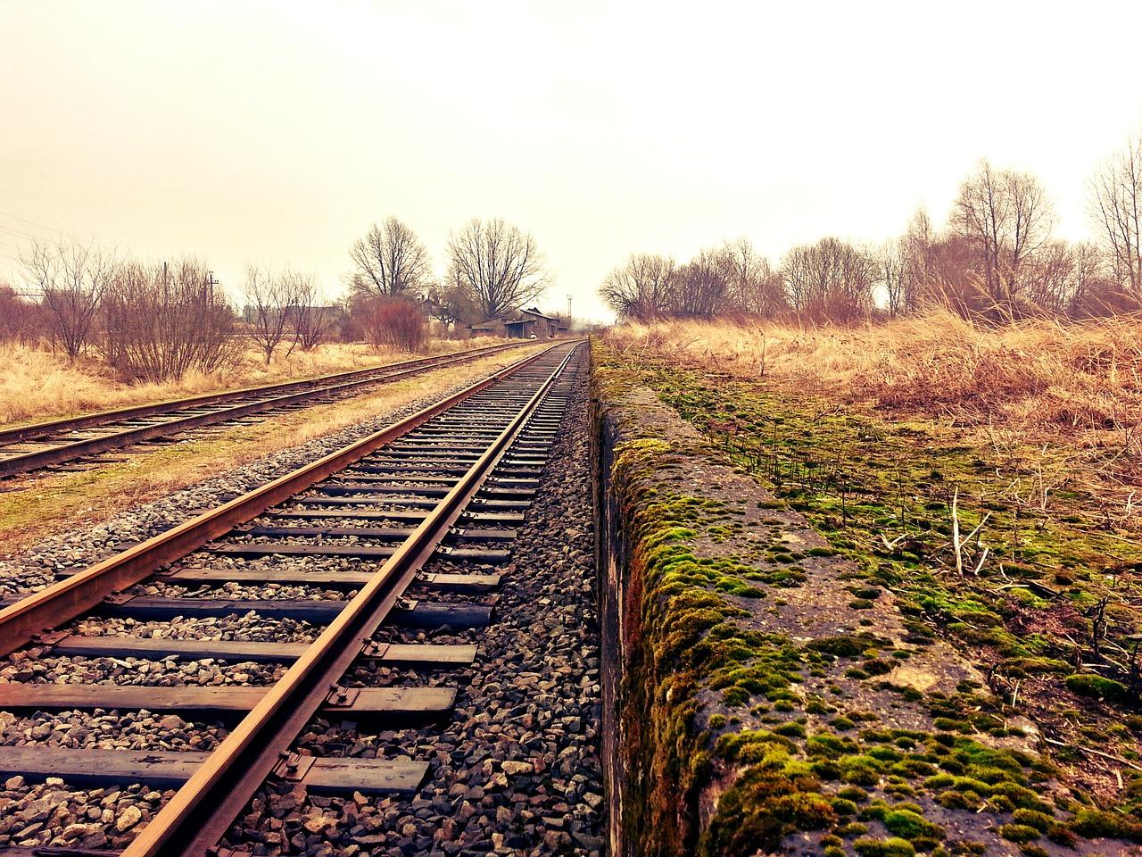 Új vasútvonal építését szorgalmazza Lázár János