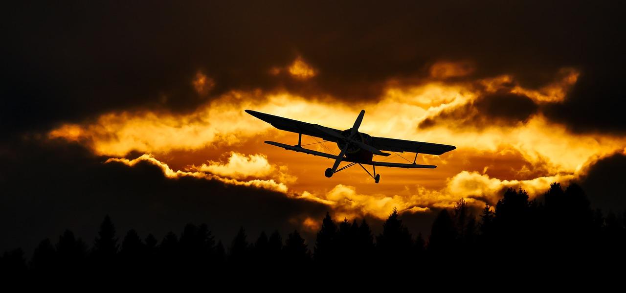 Egy békési férfi lézerrel vakított el egy repülőgép pilótát