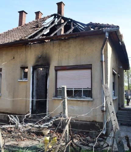 körösladányban kiégett ház tűz