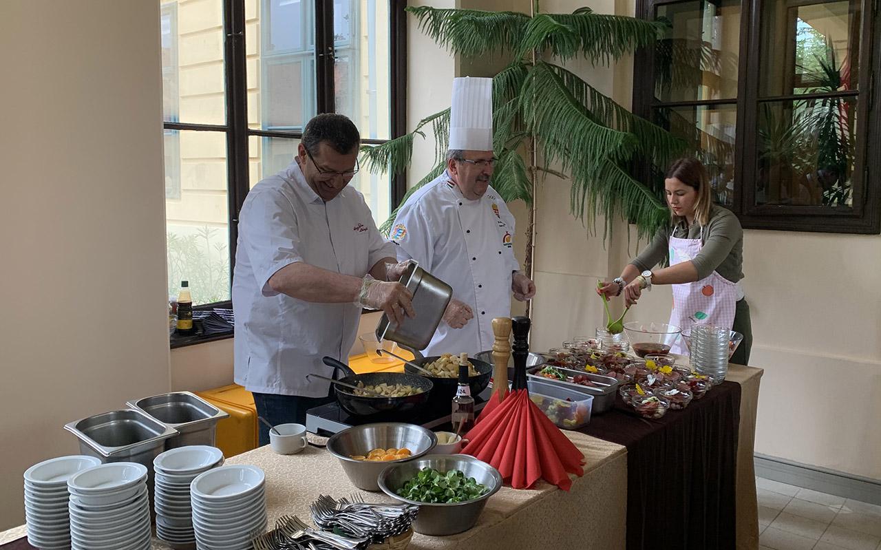 Szilva a konyhában – gasztronómiai bemutatót tartottak Gyulán