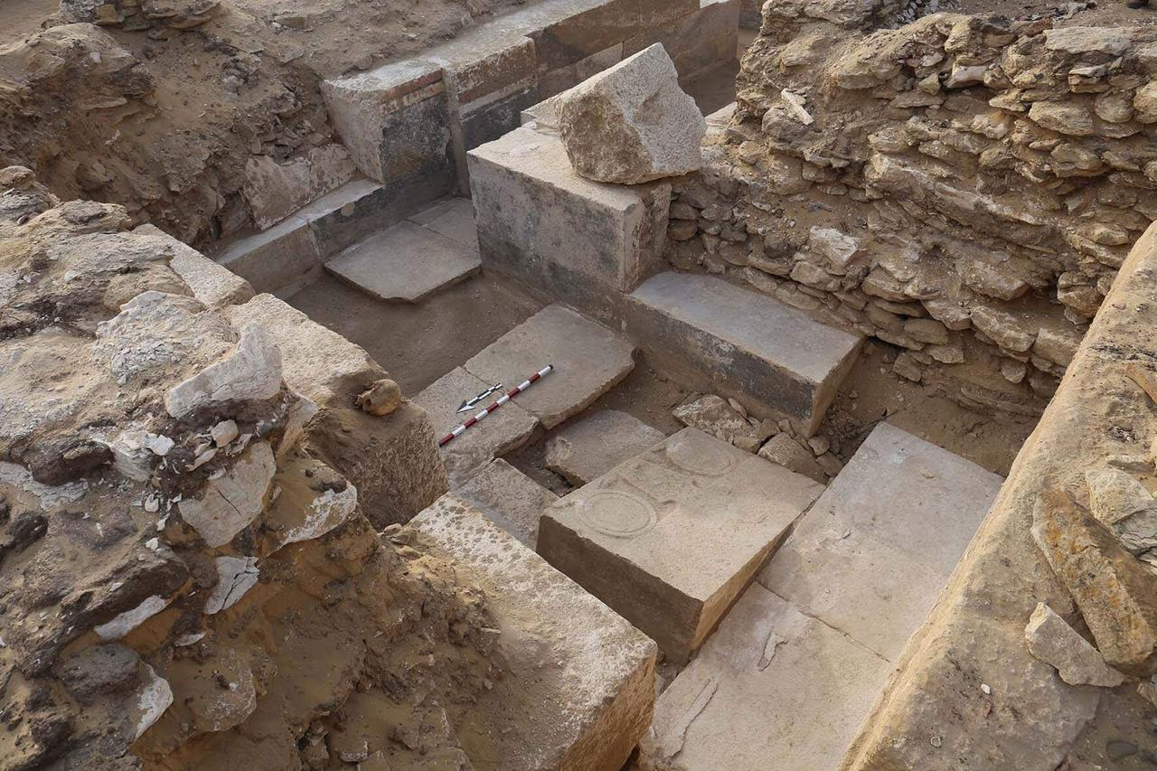 Az egyik legősibb egyiptomi fáraói dinasztia korából származó sírt tártak fel