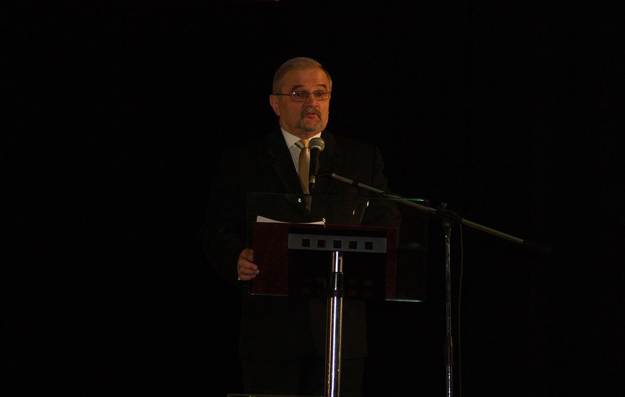 Újabb békési kiválóságokat köszöntöttek Békés város ünnepi testületi ülésén