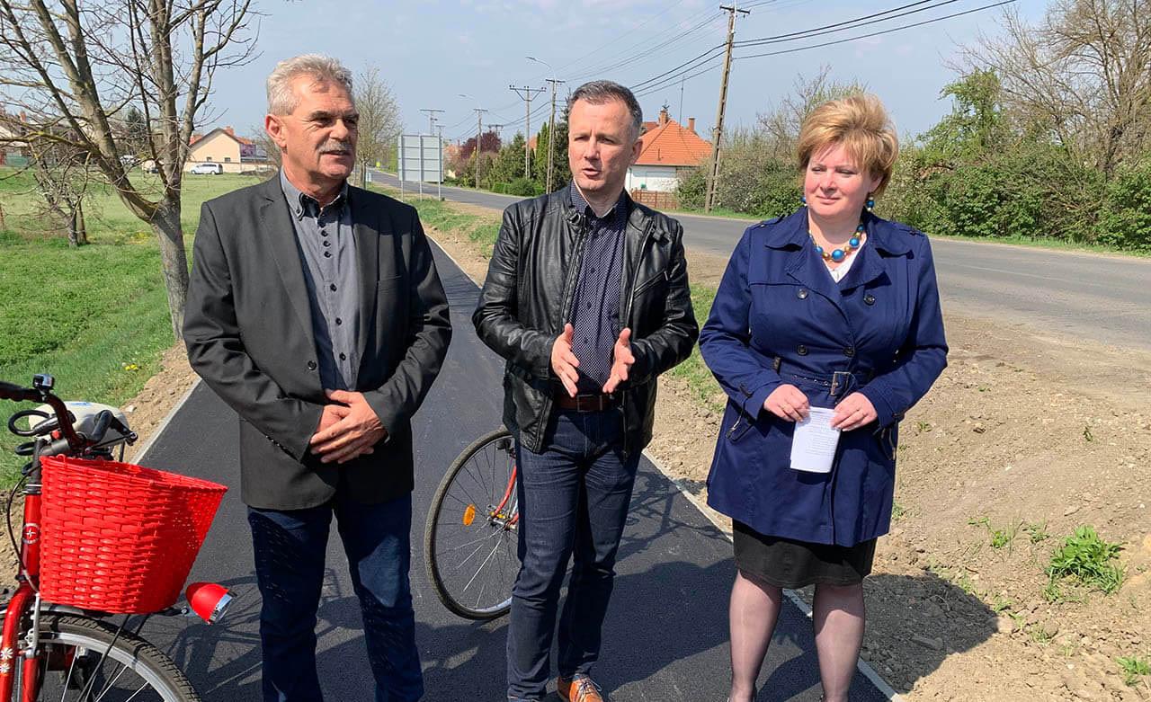Hamarosan befejeződnek a Gyulaváriba vezető kerékpárút munkálatai