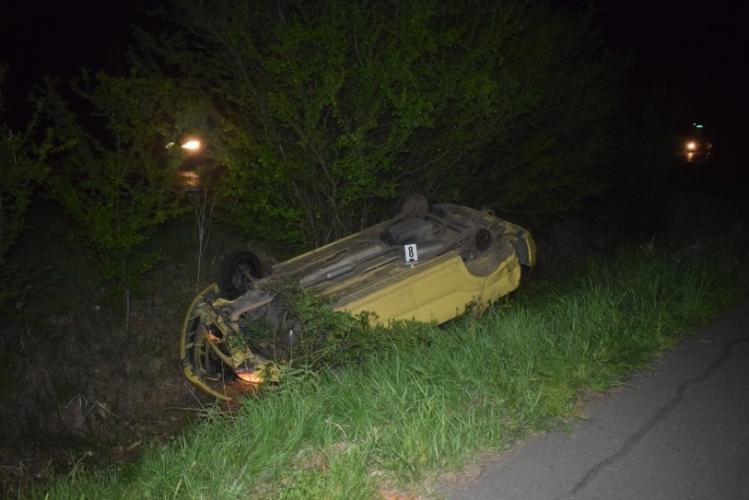 Két közlekedési baleset és körözés alapján intézkedtek a megye rendőrei