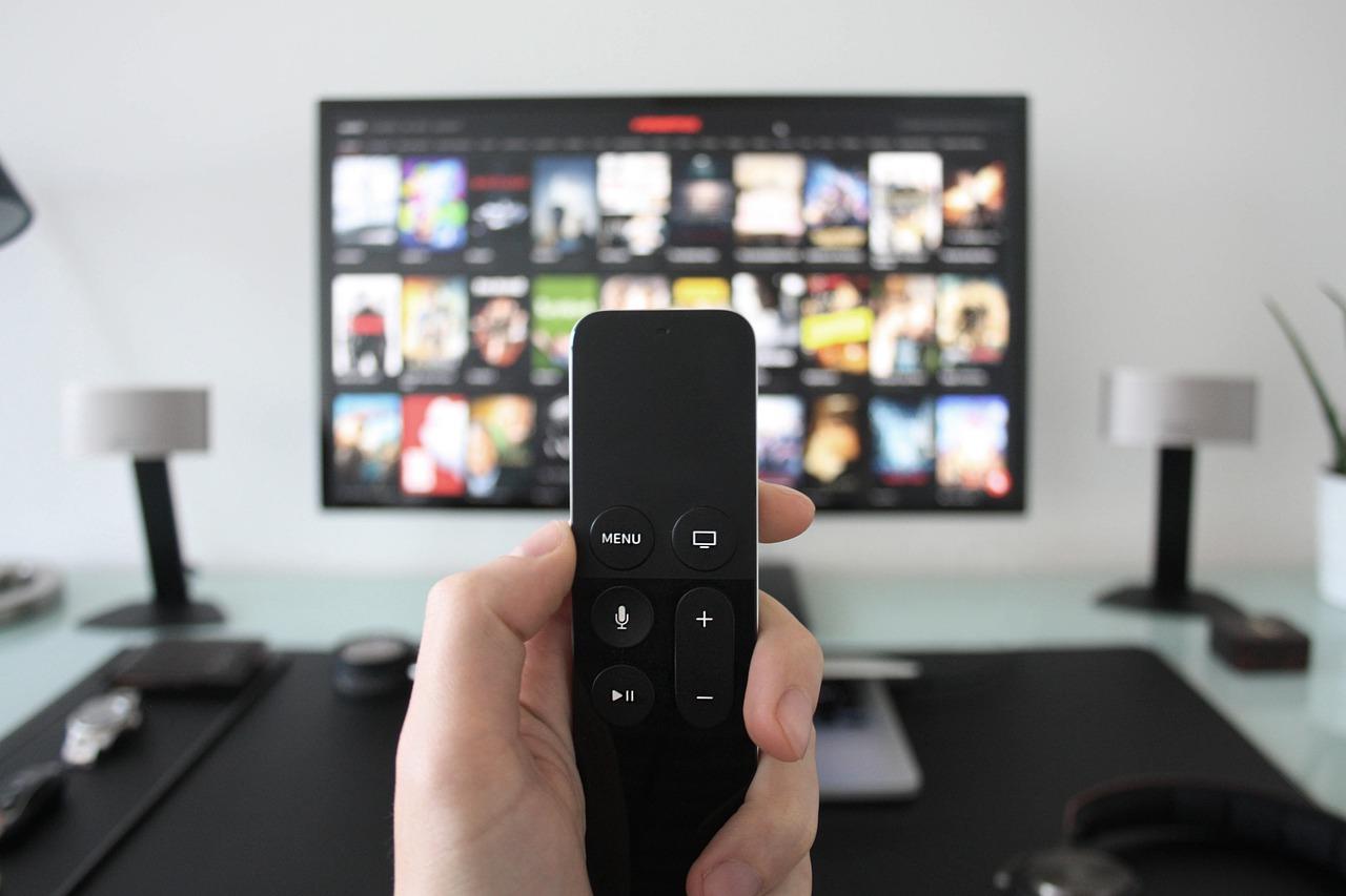 NMHH: kevesen használják a tévés és internetes gyerekzárakat