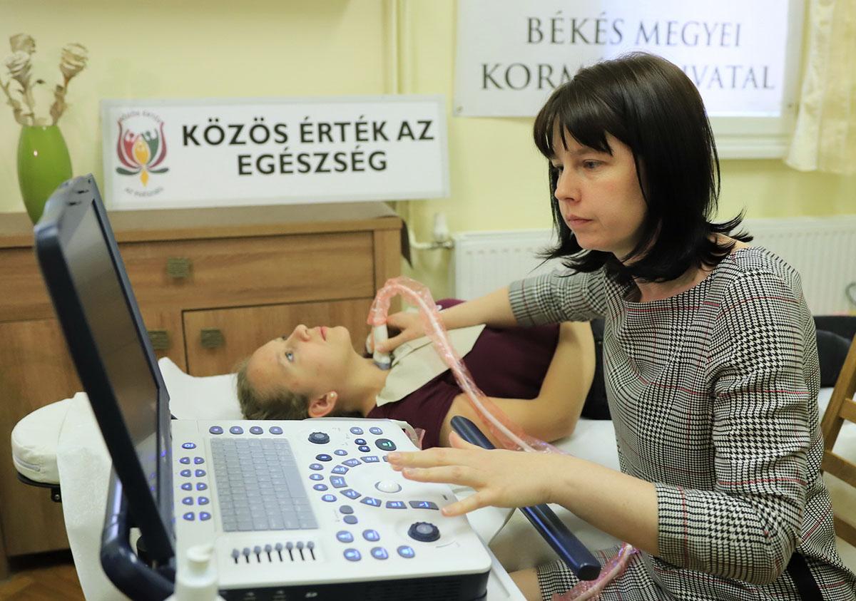 Ultrahangos pajzsmirigyszűrésben vehetnek részt az általános iskolások