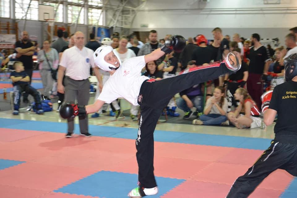 Kick-box versenyt rendeztek Nádudvaron