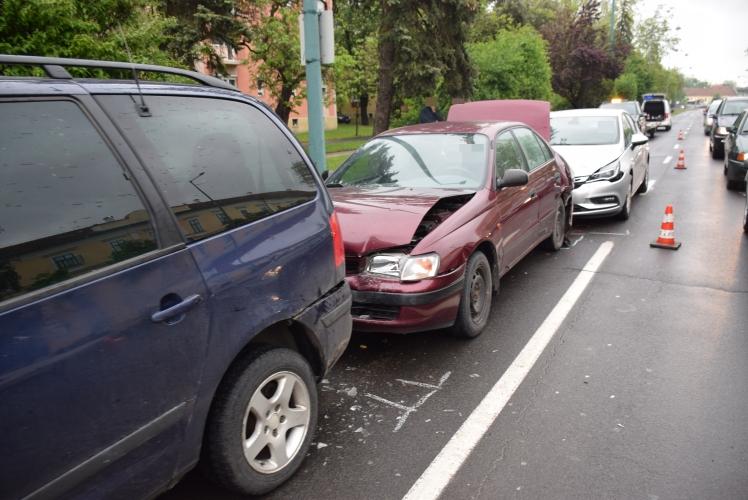 Három autó ütközött össze Gyulán