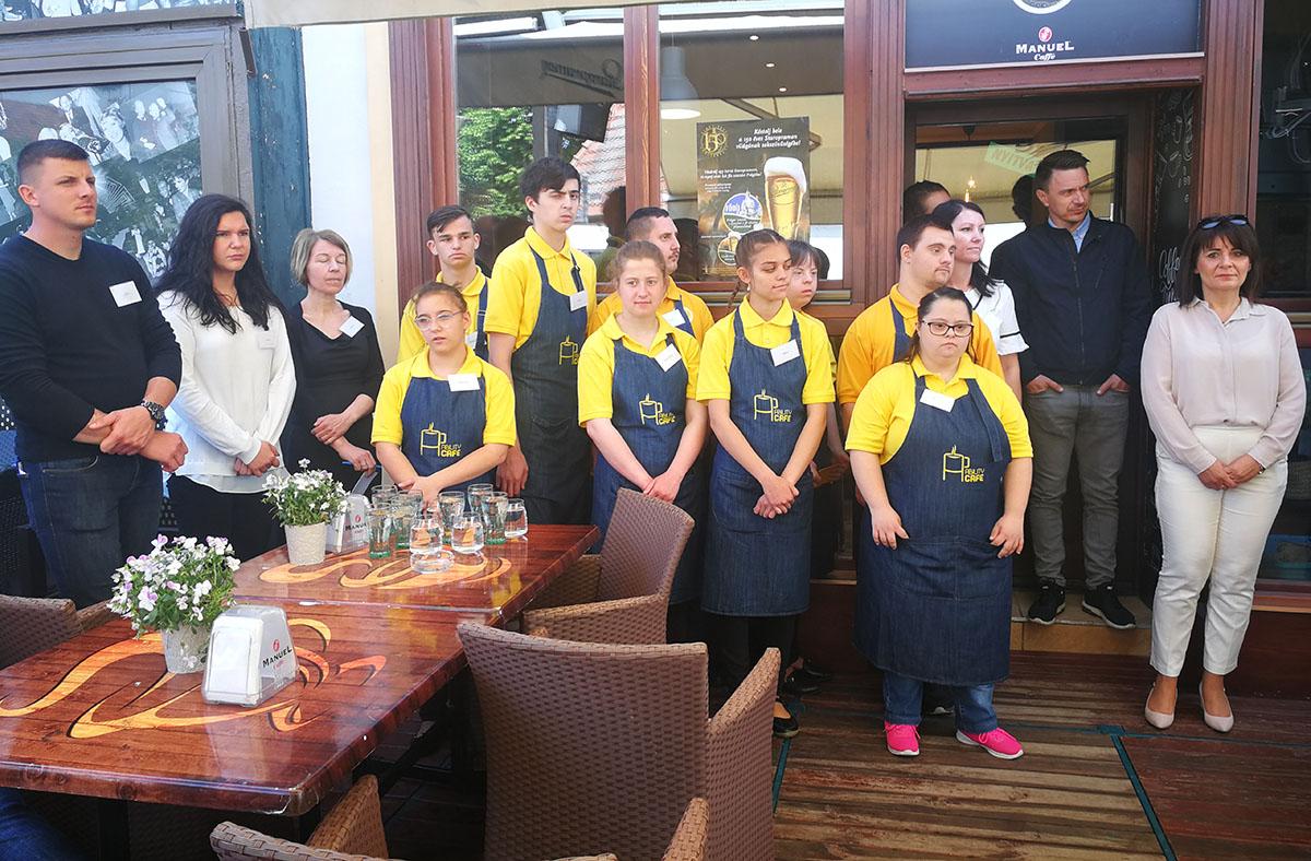 Két héten át Gyulán az Ability Café