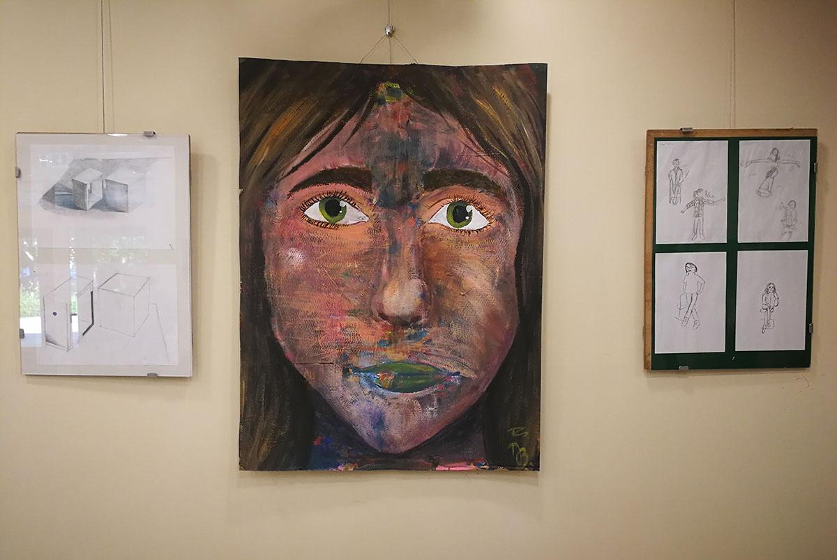 Megnyílt a gyulai művészeti iskola diákjainak évzáró kiállítása