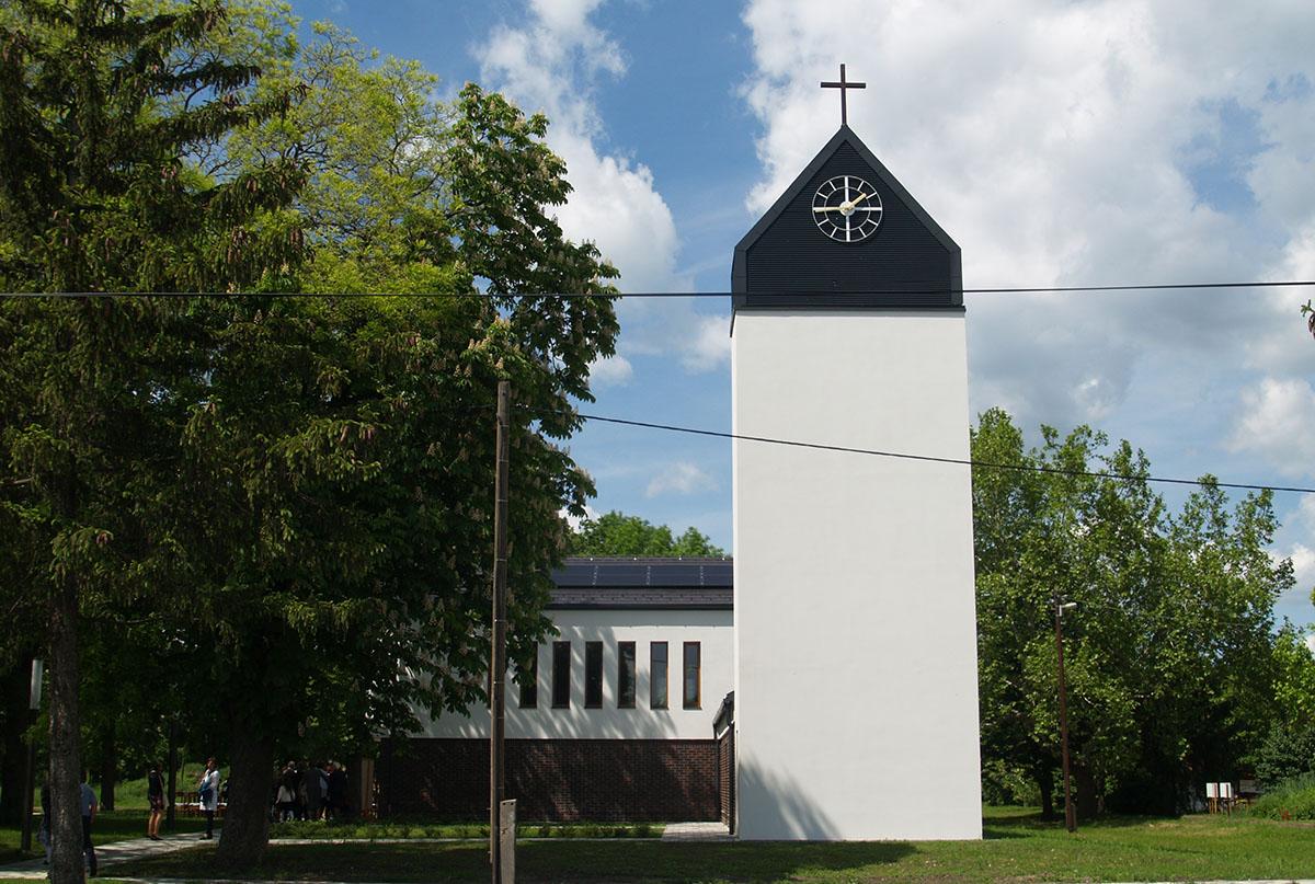 Felszentelték Tarhoson az új római katolikus templomot
