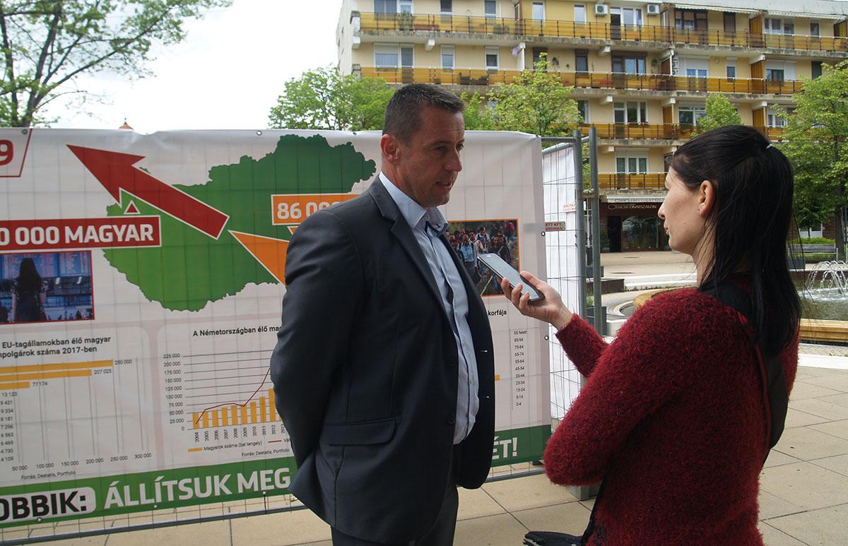Sneider Tamás: Putyin befolyása alá került Orbán