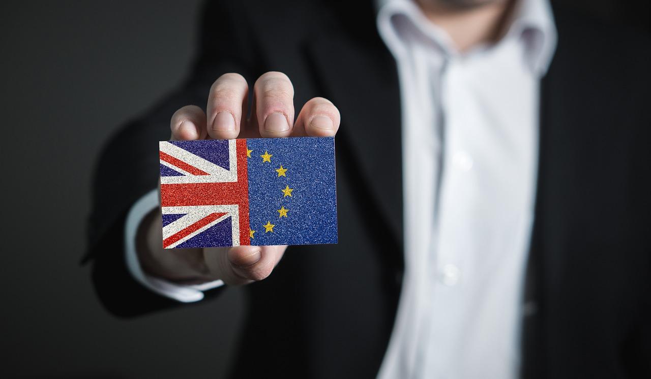 """A Brexit Párt győzött, a Liberális Demokraták előretörtek, a konzervatívok """"megsemmisítő"""" vereséget szenvedtek"""