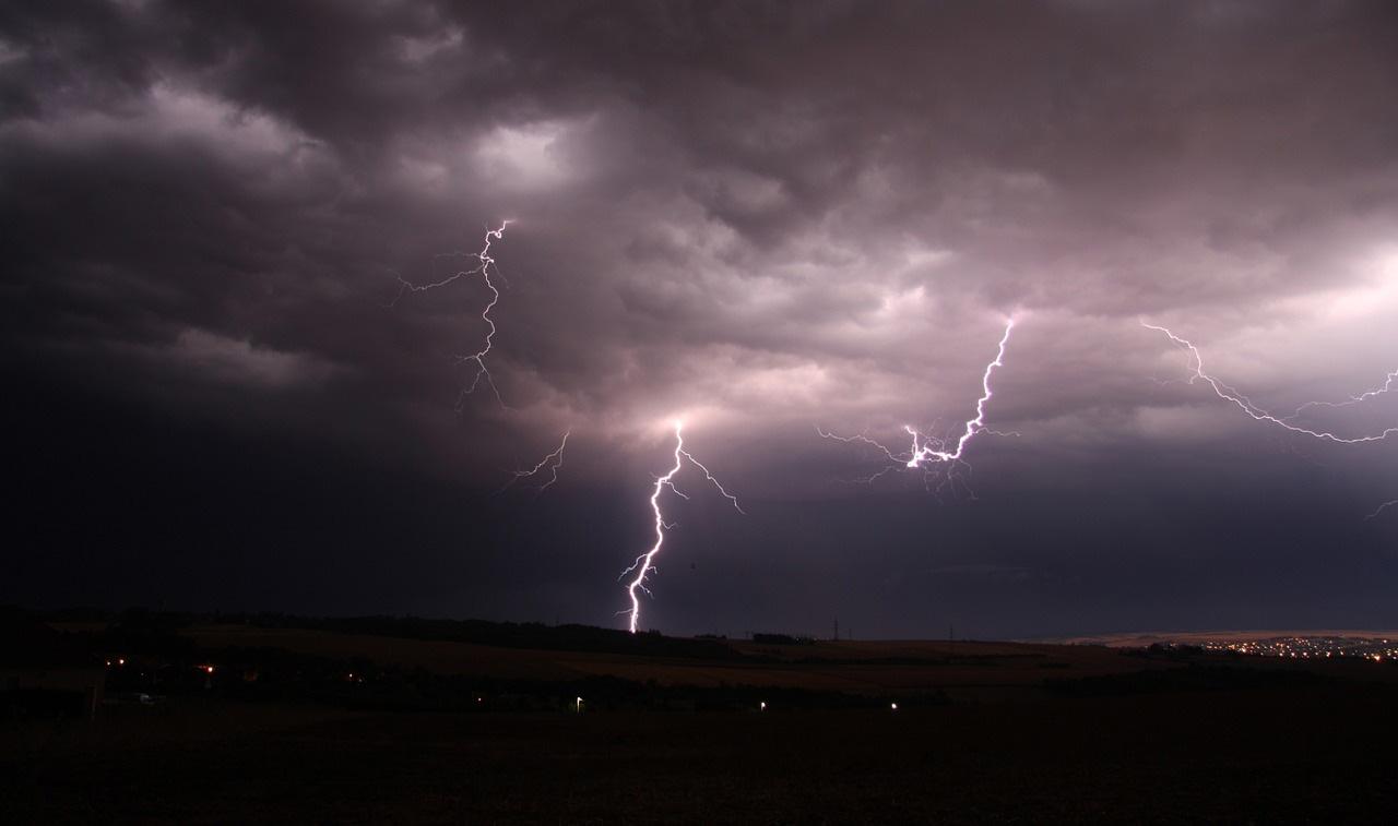 Felhőszakadás veszélye miatt riasztást adtak ki Békés megye területére