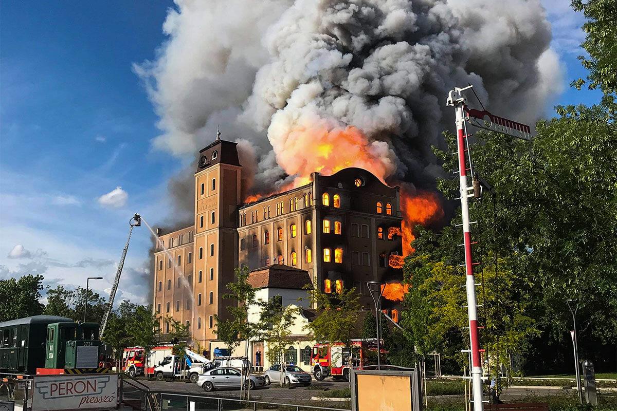 Egy évvel ezelőtt égett ki a békéscsabai István malom