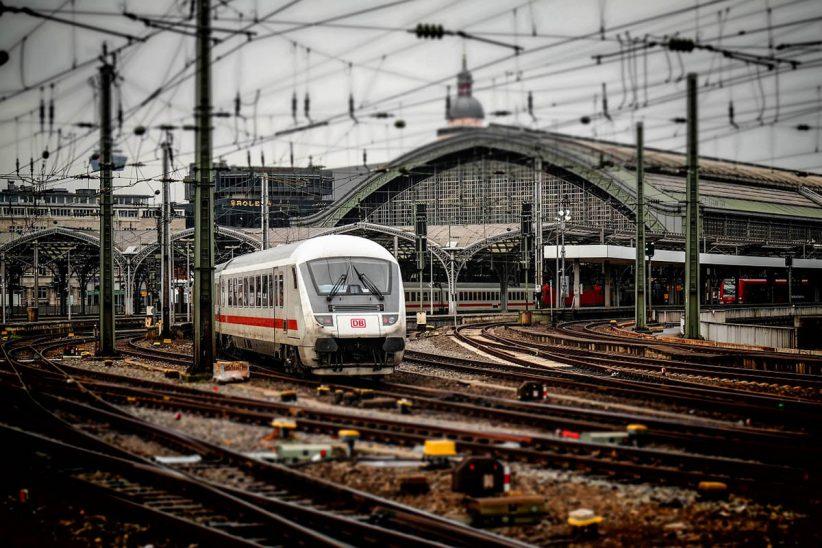 vonatközlekedés, vonat