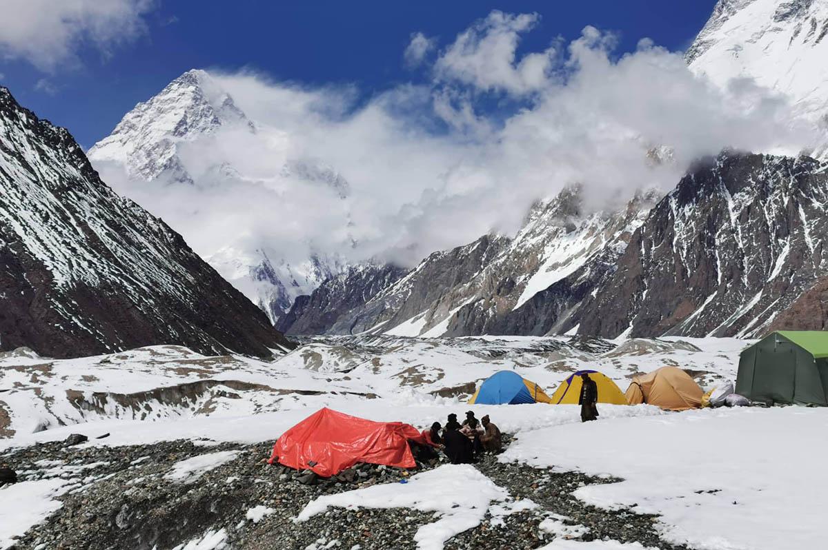 Elérte a K2 alaptáborát Klein Dávid és Suhajda Szilárd