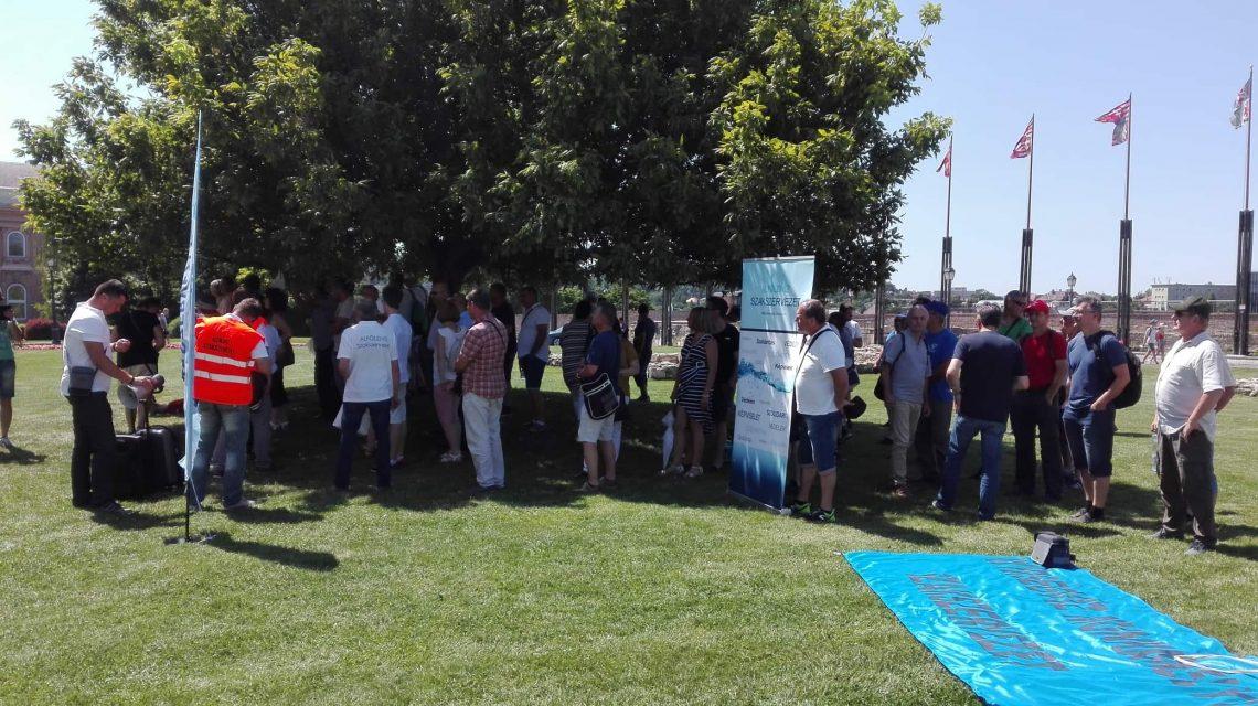 Az Alföldvíz Szakszervezet a vízügyi szektor megmentéséért tüntetett