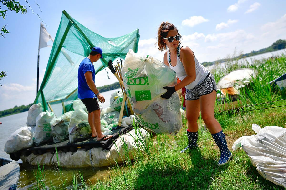 Mintegy három tonna hulladékot gyűjtöttek a PET Kupa résztvevői